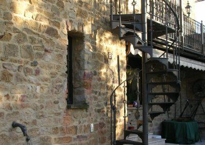Schloss_Veldenz_Leuchten_55288_Armsheim_Metallbau_Classique_Gusstreppen_Wendeltreppen_Treppen_DSCN2457
