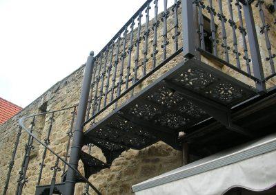 Schloss_Veldenz_Leuchten_55288_Armsheim_Metallbau_Classique_Gusstreppen_Wendeltreppen_Treppen_DSCN2763